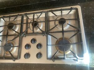 """GE Profile 36"""" Gas Cooktop with 5 Sealed Burners Model #:JGP963SEKSS"""
