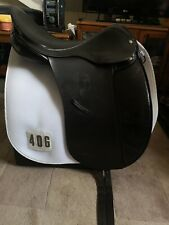 Dressage saddle 17.5 medium