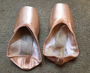 Sansha Ovation 3/4 shank pointe shoes Size 8 xx