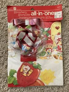 Vintage 1981 Strawberry Shortcake SCENTED  Gift wrap / Wrapping Paper Sealed
