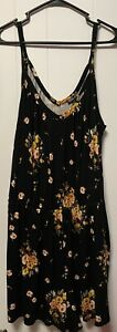 TORRID FLORAL ROMPER WITH POCKETS  !  SIZE 1 TAG ON