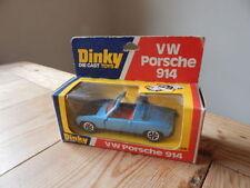 Voitures miniatures bleus Dinky