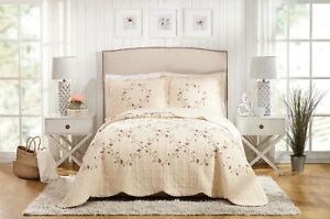 Better Homes & Gardens Hannalore King Quilt Blanket Bedding Embroidered Floral