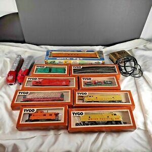 HO Train Car Lot, 3 Locomotives, 7 Non-Locomotives,1 box tracks and power .