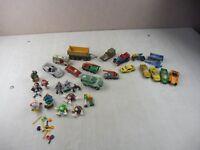Lot de jouets, voitures et figurines, divers, années 80, vintage