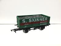 Dapol/Westons OO Gauge 7 Plank Wagon S.Skinner, Melksham