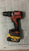 Dewalt DCB200 18/20V Battery adapter convert to Milwaukee M18 tool