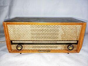 Vintage Champion Valve Radio MW Model 887 Working