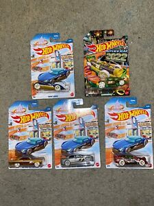 2021 Hot Wheels Christmas New Year Vehicles Ford Dodge & More 5pc Set-New