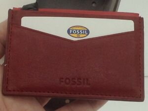 Men's FOSSIL Brand Red LEATHER Card Case Wallet - $45 MSRP