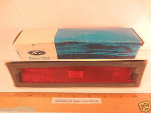 FORD 1982/1989 LINCOLN TOWN CAR LAMP ASSY (MARKER) BODY SIDE RED L. H. NOS