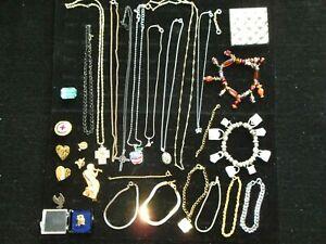 Women's Jewelry Lot, 11 Necklaces, 8 Bracelets, 9 Pins, Gerry's