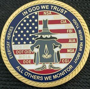"""FBI - CIA - DHHS - NRO - NSA - DOE - CGI - NGA """"INTEL""""  gold challenge coin"""