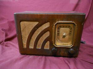 Philco model 38-12 wooden table radio