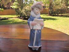 Retired Lladro Porcelain Figurine The Christmas Caroler #6533