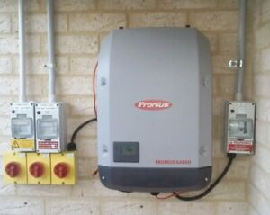 Fronius Galvo 3.0 Solar Inverter factory NEW Unused Open Box like Primo Panel