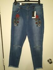 BNWT Select Girlfriend Fit Floral Ripped Knee Jeans - size 12
