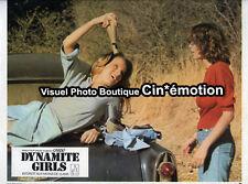 12 Photos Cinéma 23.5x29.5cm (1976) DYNAMITE GIRLS Claudia Jennings, Strohmeier