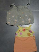 Lot 2 débardeurs à bretelles 3 ans : 1 lin beige fleurs saumon blanche, 1 jaune
