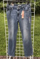 Women's 16 M Levi's 505 Straight Mid Rise Easy Through Hips Jeans NWTS $68.50