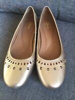 Clarks Shoes 7 Artisan Ballet Ballerina Pumps Cut out Detail Flat Smart Casual