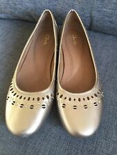 Clarks Shoes 7 Artisan Ballet Ballerina Pumps Cut out Detail Flat Smart Casual