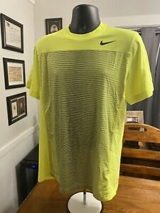 Nike Mens Linear Hyperspeed Tennis Shirt Sz Med Volt Yellow EUC Neon Activewear