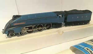 Wrenn OO/HO W2212 4-6-2 Gresley LNER Locomotive #7
