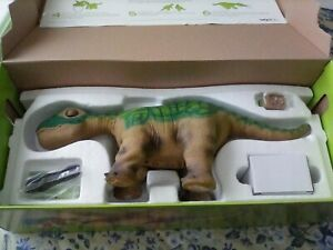 pleo dinosaur mint condition needs new batteries