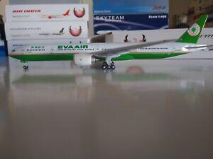 Phoenix Models EVA Air  Boeing 777-300 1:400 B-16705