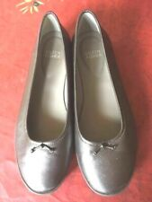 $250 Eileen Fisher All Leather Metallic Grey Flats/Shoes with Small Bow- 7 1/2