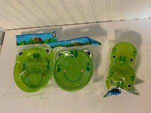 New Frog 4 pc set Plastic 2 snack container spoon 1 bowl with lid