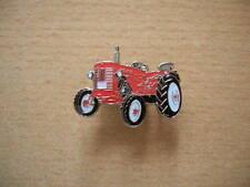 Pin IHC D 324  / D324 rot red Bulldog Traktor Schlepper Art. 7036