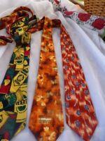 homme==lot   3  belles cravates =    2   en  soies pour allure jeune et moderne