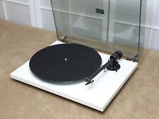 Pro-Ject T1 BT weiß matt Plattenspieler, Bluetooth® , inkl. Phonoverstärker