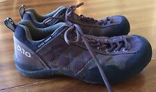 WOMAN'S ATHLETIC GUIDE TENNIS CANVAS SNEAKERS SHOES 8.5 EUC 5.10 FIVE TEN USA