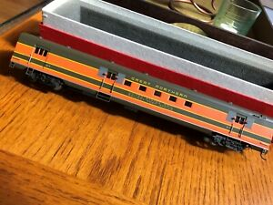 Great Northern HO RPO Soho #1401 Brass, custom painted Empire Builder  GN