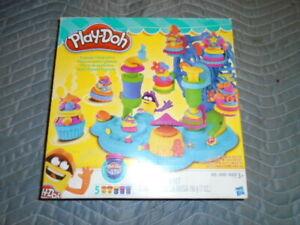 Play-Doh Modeling Compound Cupcake Celebration Playset