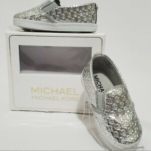 MICHAEL KORS Baby 'IVY ALLI' CRIB SHOE. Color silver. Size 1 (6wks-3 MONTHS).