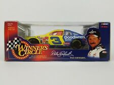 Hasbro Winner's Circle Dale Earnhardt #3 Goodwrench 1:24 sc1