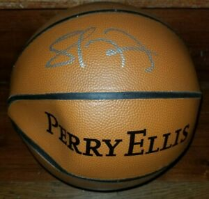 LAMAR ODOM Authentic Perry Ellis Hand-Signed Basketball (Los Angeles LAKERS)