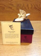 Raine Just the Right Shoe Coa Box Venus In Pearls 25099