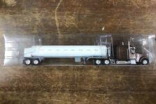 HO Trucks N Stuff 60118 w/ Cryo Tanker Truck Red-White