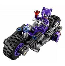 NEW LEGO CATWOMAN MINIFIG W/ Bike 70902 Bat Man Movie 2017
