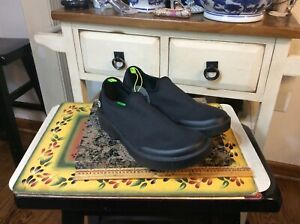 OOFOS Oomg EEZEE Low Women's Black/Black Size W 8.5 - With Tag