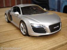 Audi r8 con iluminación LED (Xenon) 1:24, plata incl. deseo matrícula