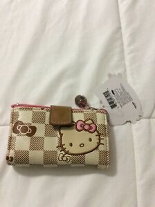 New with tag Sanrio Hello Kitty Checkered Small money wallet