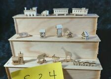 30 % gesenkt Nr 24  1-2 cm DEko 11 tiny toys  montiert Puppenstube