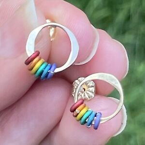 14k Yellow Gold Hammered Circle Earrings w Rainbow Hoops