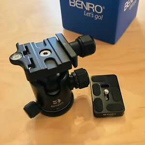 Benro B1 Triple Action Ball Head + PU60 quick release plate. Near mint condition
